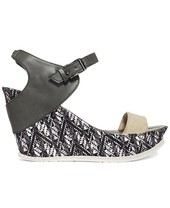 Kenneth Cole Reaction Hugeswell Platform Wedge Sandals