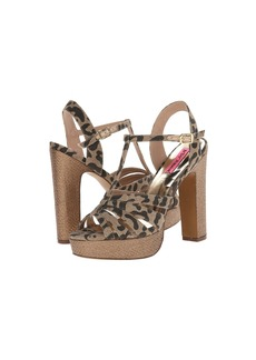 Betsey Johnson Magiic