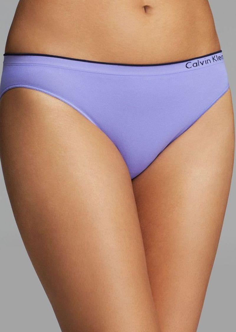 Calvin Klein Underwear Women's Seamless Bikini